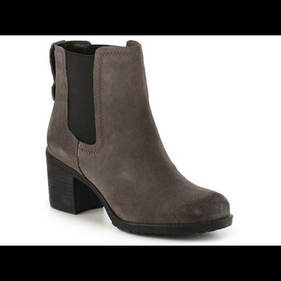 00fd3c87a85 Sam Edelman Hanley Gray Suede Chelsea Boots 7.5M. M 5b2d0c7f03087cbe3bd6fbc4